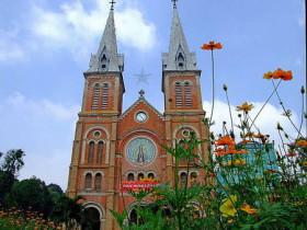 越南新娘的越南胡志明市紅教堂